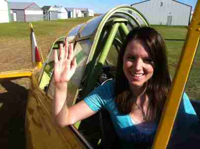 2016-jenna-johannsen-in-catp-museum-plane-at-lyncrest